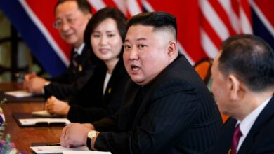Photo of Kim Jong Un apologises to South Korea for official being shot and burnt