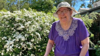 Photo of 'Treated with contempt': Sudden closure of Inglewood Aged Care Service leaves families furious