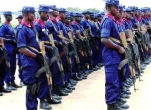Photo of Civil Defence officer shoots DSS operative dead, detained