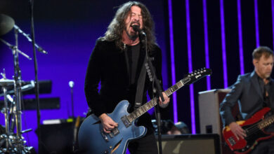Photo of Election Foo Fighters, Pink, Cher, Jon Bon Jovi to Perform at Joe Biden Virtual Event Tonight