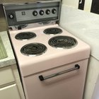 Photo of My dads apartment came with a baby pink stove