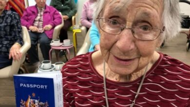 Photo of Australians can't travel overseas right now, but this nursing home has found a way to take its residents around the world