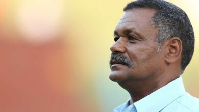 Photo of Peter de Villiers moves a step closer to being named new EP coach