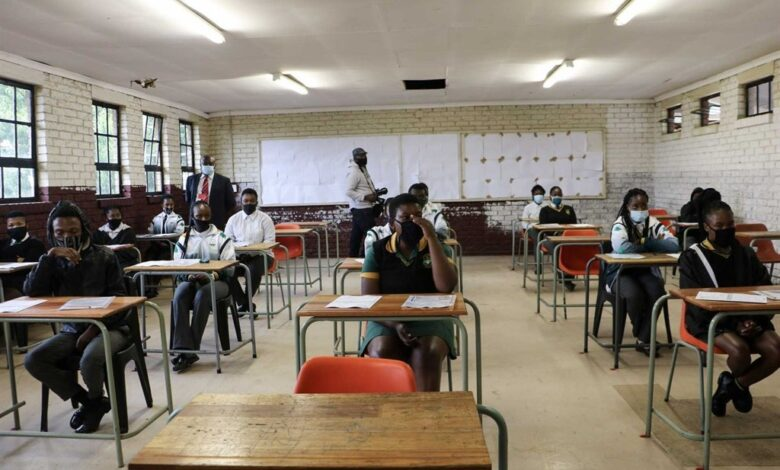 News24.com   Matric exam leak: Hawks roped in as preliminary probe shows more provinces affected