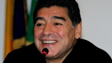 Photo of News24.com   Death of 'eternal' Maradona plunges football world into mourning