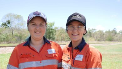 Photo of Like father, like daughters: Sisters follow in dad's tracks as cane train drivers