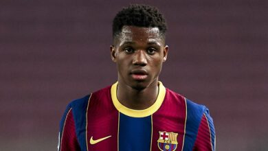 Photo of Ansu Fati Suffers Serious Knee Injury During Barcelona Victory Over Real Betis