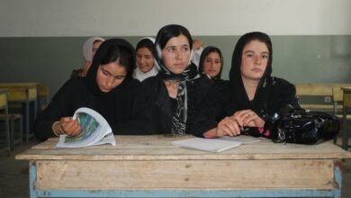 Photo of Afghan MPs attack plan to move classes to mosques