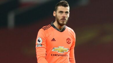 Photo of Jamie Redknapp & Gary Neville criticise David de Gea for mistakes in Everton draw